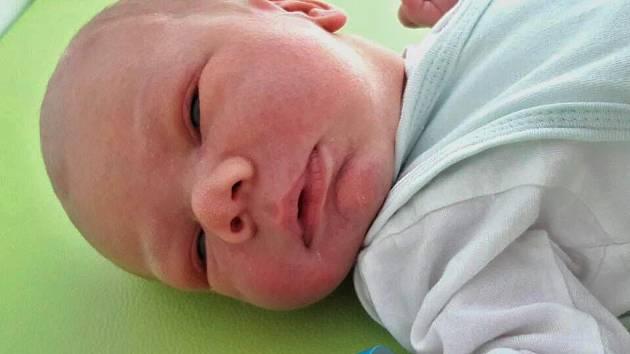 Jakub Hönig se narodil 9. října 2017 ve 20.55 hodin mamince Janě Hönigové z Mostu. Měřil 52 cm a vážil 3,73 kilogramu.