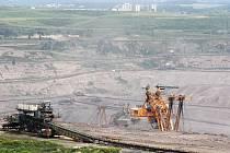 Povrchový důl na Mostecku. Ilustrační foto