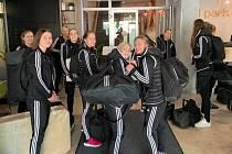 Černí andělé i s realizačním týmem dorazili do hotelu v Lublani. Tady začíná cesta Andělů Ligou mistrů.