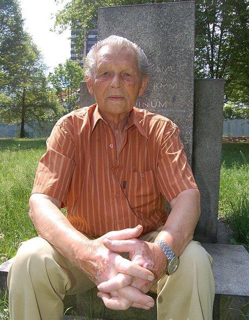 Oldřich Hanka pomáhal v květnu 1945 zachraňovat i orloj na pražské Staroměstské radnici.