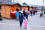 V centru Mostu začal Vánoční trh