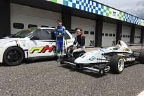 Mladí jezdci HKC Racing Teamu z Mostu.