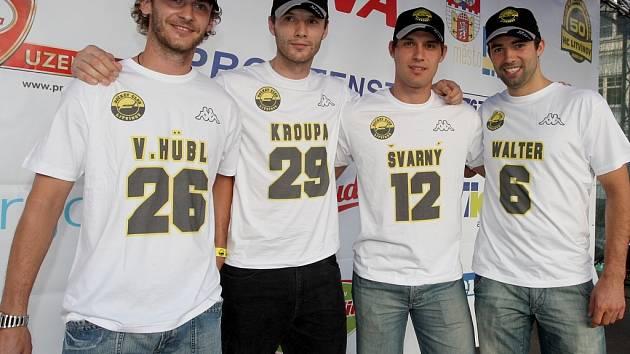 Na náměstí v Litvínově se představili i nové hokejové posily.
