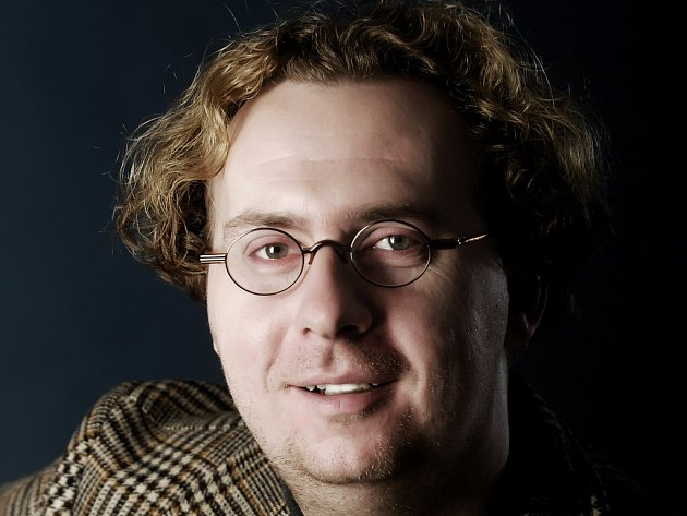 Režisér a herec Jiří Kraus na archivním snímku