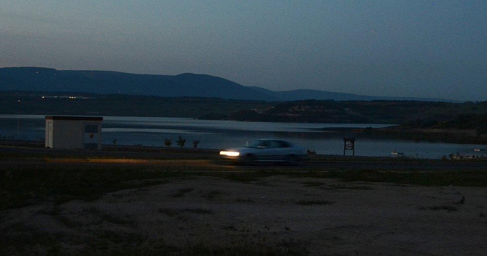 Jezero Most se stalo vyhledávaným místem ihned po svém oficiálním zpřístupnění
