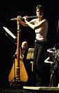 Flétnistka Isabelle Prain a harfista Lukáš Dobrodinský.