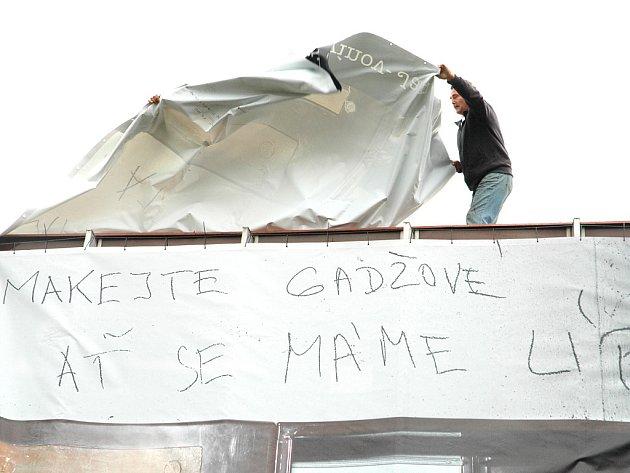 Provokativní plakát hejtmana Šulce.