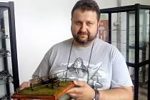 Plastikový modelář Zdeněk Scheffel
