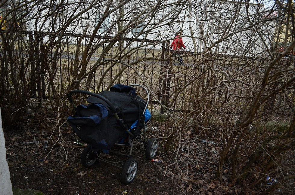 41letý bezdomovec se zdržuje v okolí bloku 734 v Mostě.