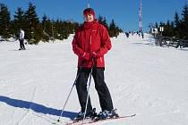 Poručík Dagmar Zieglerová ve volném čase ráda lyžuje, bruslí a cestuje.