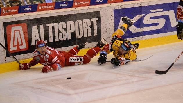 Litvínov v domácím souboji s Třincem.