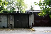 Dvojice vykradla 31 garáží. Ilustrační foto.
