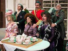 Nestárnoucí bláznivou komedii Charleyova teta milují nejen diváci, ale i herci.