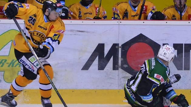 Čtvrté kolo play out mezi domácím Litvínovem a Karlovými Vary.