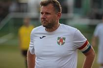 V okresním přeboru vyhrál Litvínov (v žluto-černé kombinaci) v Braňanech 8:0
