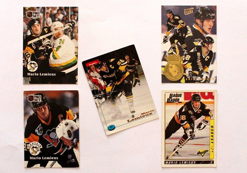 Sportovní kartičky se vrací. Vyráběly se, stále vyrábí a sbírají i u nás. Mario Lemieux na kartičkách.