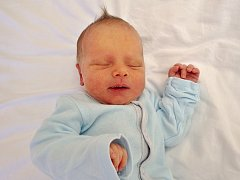 Daniel Schimperk se narodil na Štědrý den, 24. prosince, v 18.55 hodin mamince Drahomíře Kašparové z Mostu. Vážil rovná tři kila a měřil 50 cm.
