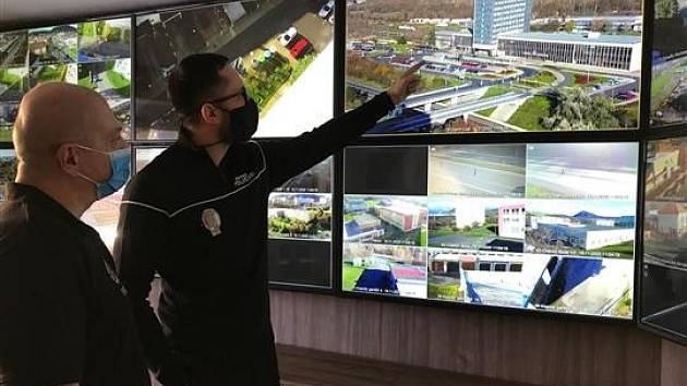 Městská policie v Mostě pořídila z dotace další tři kamerové body.
