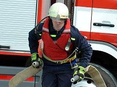 Dobrovolní hasiči bojovali v Brandově při krajském kole o titul Železný hasič.