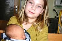 Mamince Renatě Gráslové z Mostu se 1. února ve 14.45 hodin narodil syn Pavel Hlaváčik. Měřil 50 cm a vážil 3,34 kg. Na fotografii se sestřičkou Simonou Gráslovou.