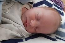 Tadeáš Suchomel se narodil mamince Lucii Ungerové z Chomutova 8. srpna ve 4.35 hodin. Měřil 51 cm a vážil 3,17 kilogramu.