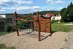 ZŠ Meziboří má jedinečné arboretum s naučnou stezkou.