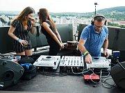 Hudební akce v Mostě ve výšce 91 metrů.