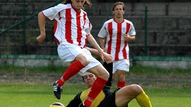 Poslední kolo divizního fotbalu v neděli 22.6. rozhodlo o tom, že FK Litvínov po výhře nad Jirnami zůstává součástí divizního kolotoče.