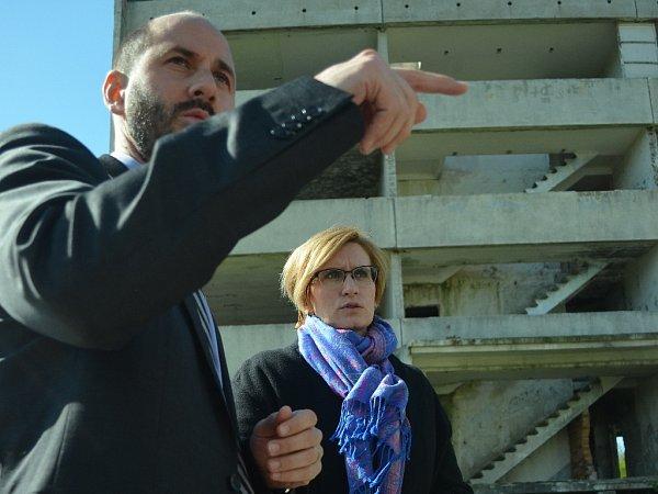 Ministryně pro místní rozvoj Karla Šlechtová si ve středu dopoledne prohlédla Chánov. Doprovázel ji primátor Jan Paparega.