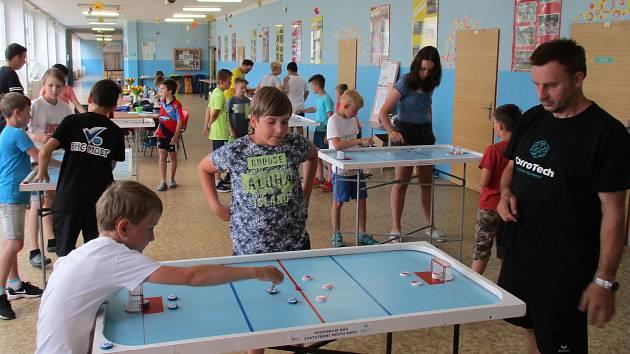 Letní pohár StarColor – billiard-hockey šprtec.