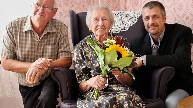 Marie Svatošová oslavila své již 102. narozeniny. Většinu života prožila v rodném Mostě.