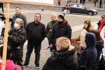 Aktivista David Tesař na protivládní demonstraci v Ústí nad Labem.