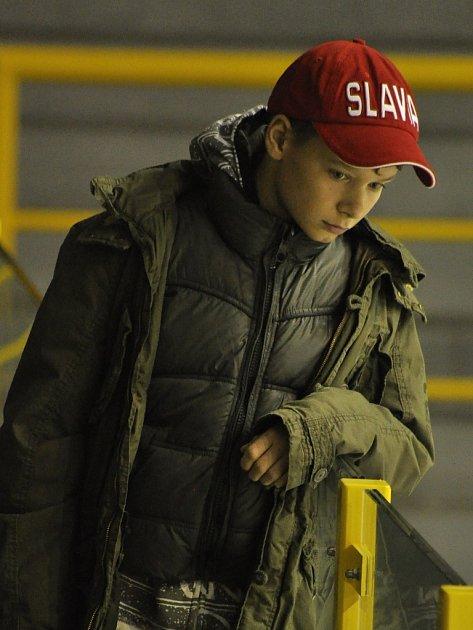 Adrian Jastraban má ve filmu syna.