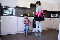 Nová kuchyňská linka v azylovém domě pro ženy a matky s dětmi v tísni v Mostě.