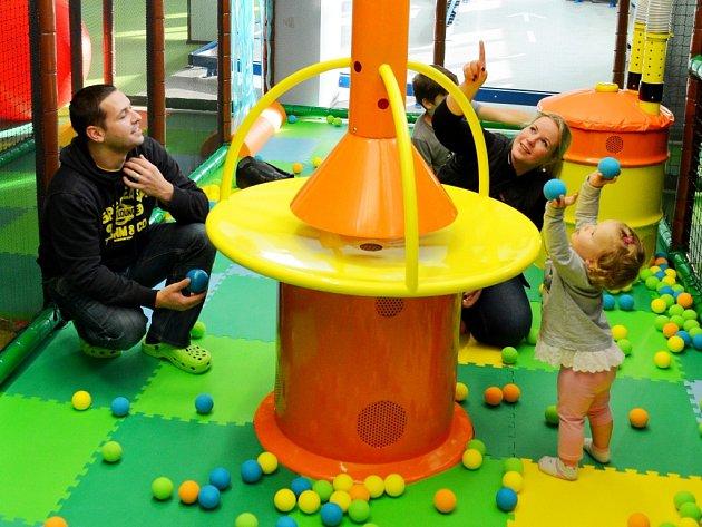 Mostecká Jungle Arena začala 1. listopadu fungovat pro rodiny s dětmi.
