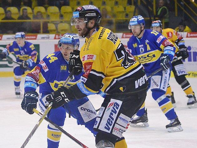 Litvínovský Viktor Hübl přihrával parťákovi z lajny Františku Lukešovi na vyrovnávací gól. Nakonec to na body nestačilo.