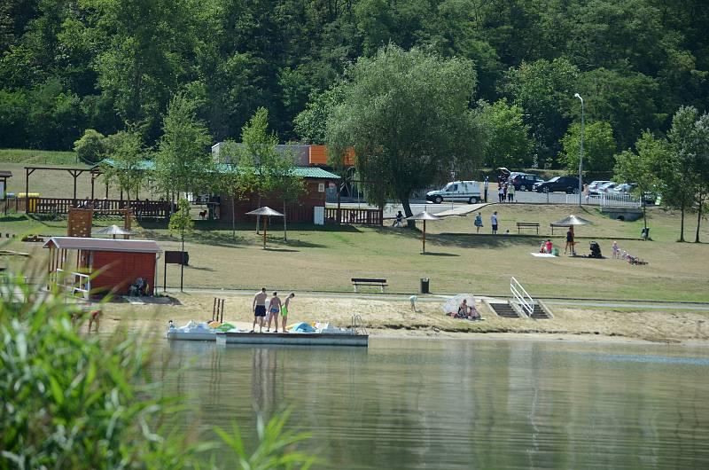 Mostecký kemp Matylda sídlí ve stejnojmenném rekreačním areálu