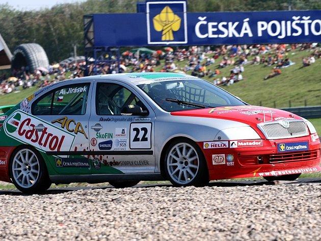 Škoda Octavia cup na mosteckém okruhu.