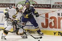 Litvínov (v bílém) si doma podal Zlín.
