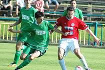 Fotbalisté Souše (v červeném) prohráli o víkendu potřetí v řadě.