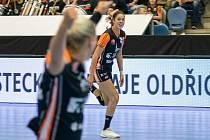 Dominika Zachová v zápase s maďarským Györem.