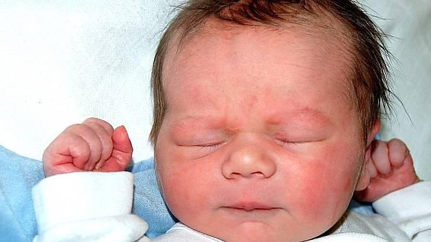 Mamince Jaroslavě Racíkové z Litvínova se 24. října v 1.25 hodin narodila dcera Hana Racíková. Měřila 51 centimetrů a vážila 3,51 kilogramu.