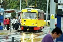 Dvojku během výluky kompletně nahradí autobusy.