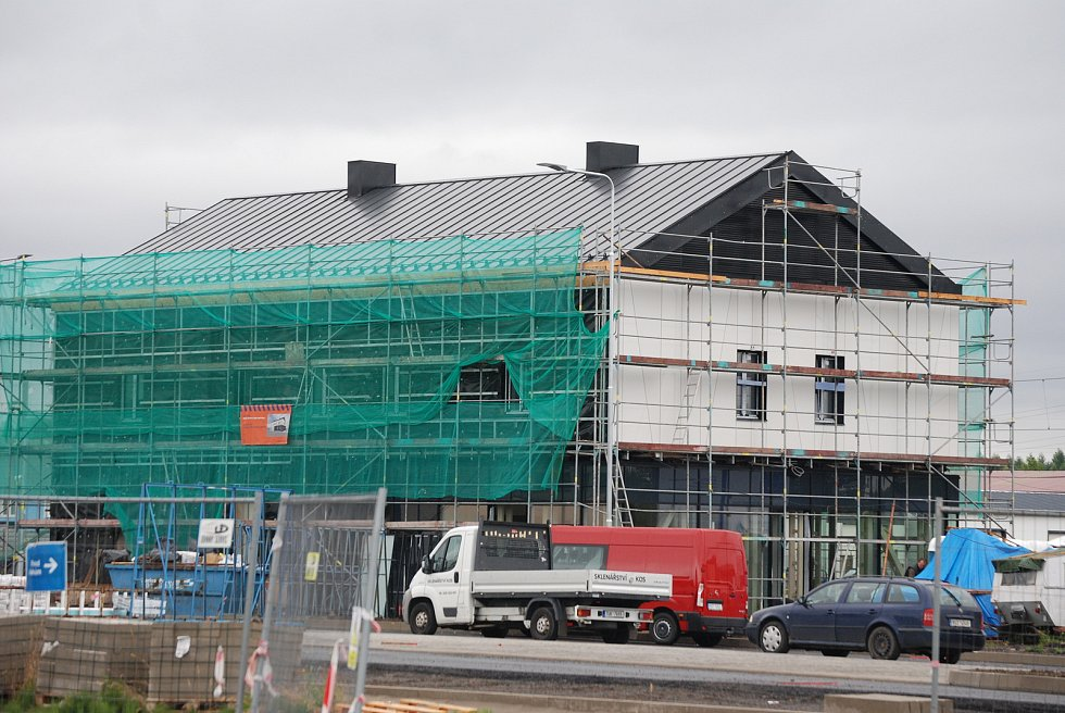 V ulici Mostecká v Litvínově pokračuje výstavba autobusového nádraží.