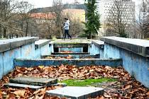 Park u sportovní haly v Mostě.