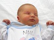Mamince Lucii Szanto z Mostu se 12. dubna v 16.10 hodin narodil v Kadani syn Roman Szanto. Měřil 50 centimetrů a vážil 3,54 kilogramu.