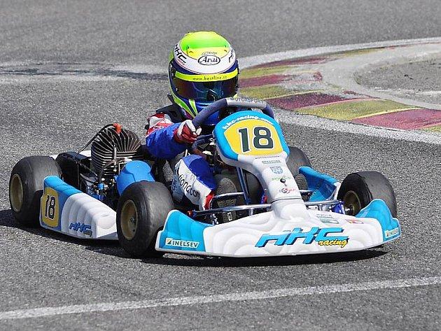 Mladí jezdci HKC Racing teamu zahájili novou sezónu úspěšně.