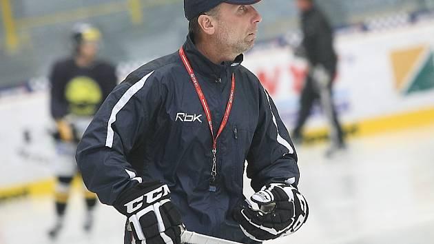 Jeden z trenérů litvínovské Vervy Miloslav Hořava.