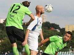 Most (v zeleném zleva Běloušek a Nguyen) vyhrál v Ústí 3:1.
