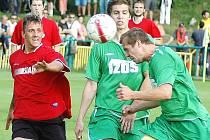 Fotbalisté Souš (v červeném) hostí v sobotu doma Louny.